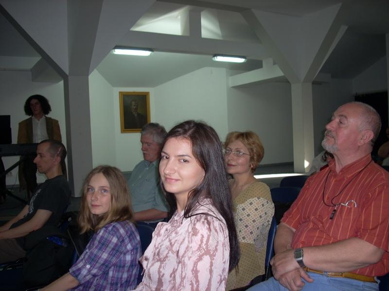 Lansare de cărţi - poezie gotică - Dorina NECULCE-11 mai 2012 Lansa105