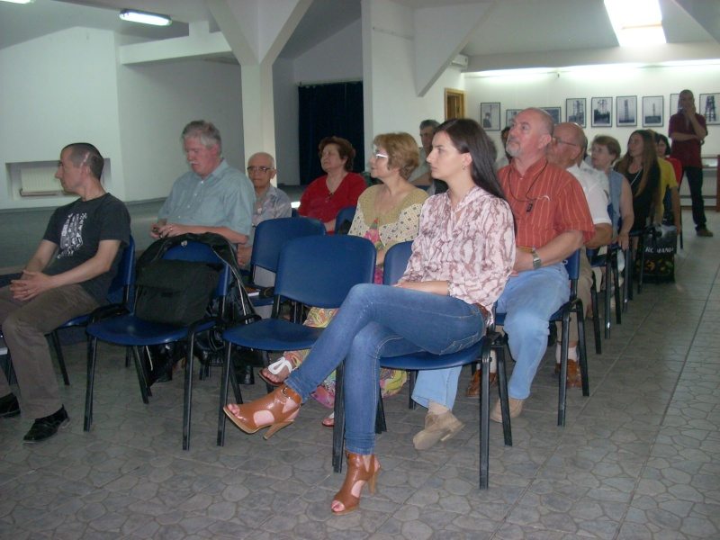 Lansare de cărţi - poezie gotică - Dorina NECULCE-11 mai 2012 Lansa108
