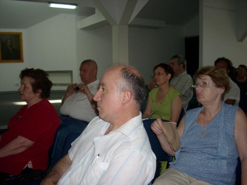 Lansare de cărţi - poezie gotică - Dorina NECULCE-11 mai 2012 Lansa110