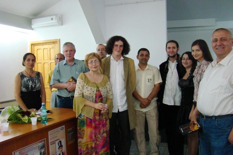 Lansare de cărţi - poezie gotică - Dorina NECULCE-11 mai 2012 Lansa118