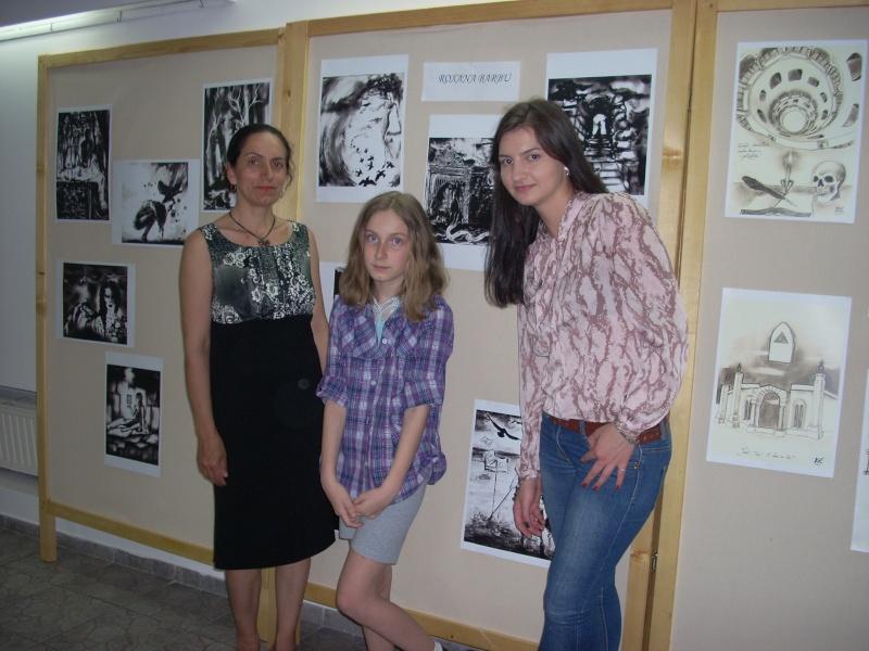 Lansare de cărţi - poezie gotică - Dorina NECULCE-11 mai 2012 Lansa122