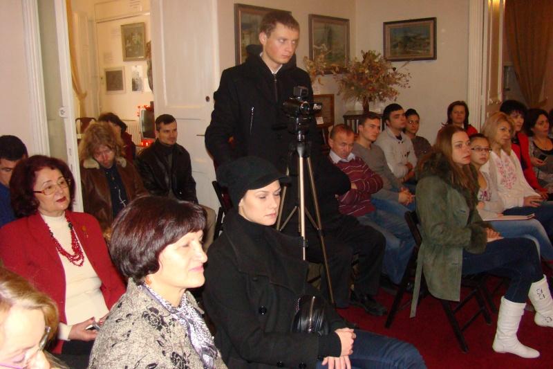 """Lansare """"Anonim pe ringul adolescenţei"""" de Liviu MIRON şi """"Reflecţii"""" de Vasilica Ilie-08 dec 2012 Lansa141"""