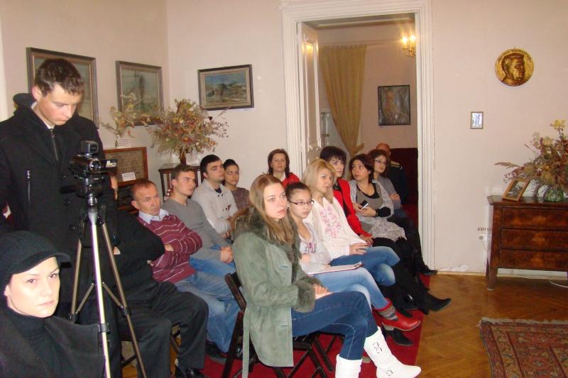 """Lansare """"Anonim pe ringul adolescenţei"""" de Liviu MIRON şi """"Reflecţii"""" de Vasilica Ilie-08 dec 2012 Lansa142"""