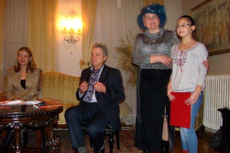 """Lansare """"Anonim pe ringul adolescenţei"""" de Liviu MIRON şi """"Reflecţii"""" de Vasilica Ilie-08 dec 2012 Lansa148"""