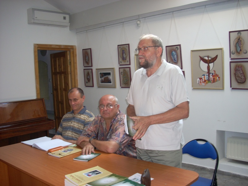 "Lansarea volumului de poezie ""Genunchii Tamisei"" -Gheorghe VIDICAN Lansar14"