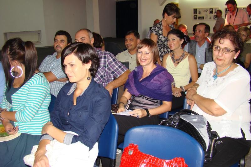 Şedinţa a XVII-a Cenaclului U.P.-Lansare de carte-Ovidiu Raul Vasiliu-22 sept 2011 Lansar38