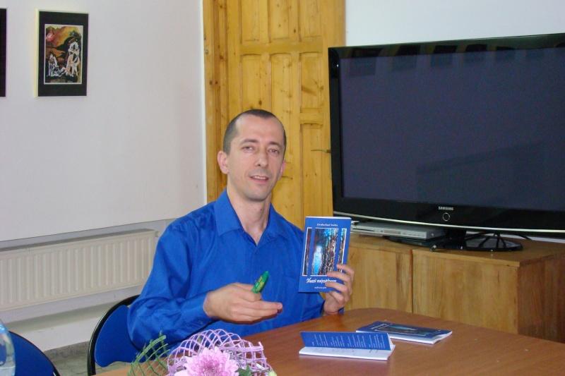 Şedinţa a XVII-a Cenaclului U.P.-Lansare de carte-Ovidiu Raul Vasiliu-22 sept 2011 Lansar42