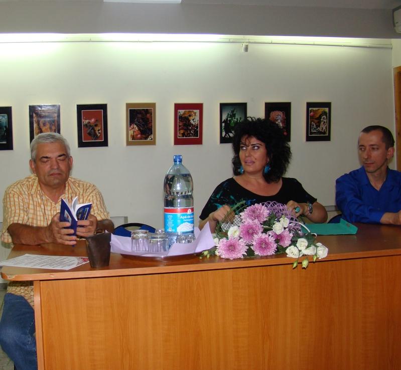Şedinţa a XVII-a Cenaclului U.P.-Lansare de carte-Ovidiu Raul Vasiliu-22 sept 2011 Lansar44