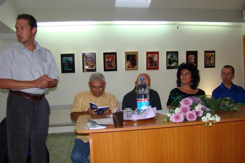 Şedinţa a XVII-a Cenaclului U.P.-Lansare de carte-Ovidiu Raul Vasiliu-22 sept 2011 Lansar45