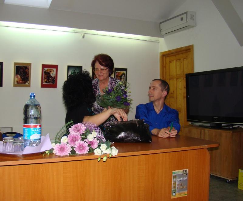 Şedinţa a XVII-a Cenaclului U.P.-Lansare de carte-Ovidiu Raul Vasiliu-22 sept 2011 Lansar57