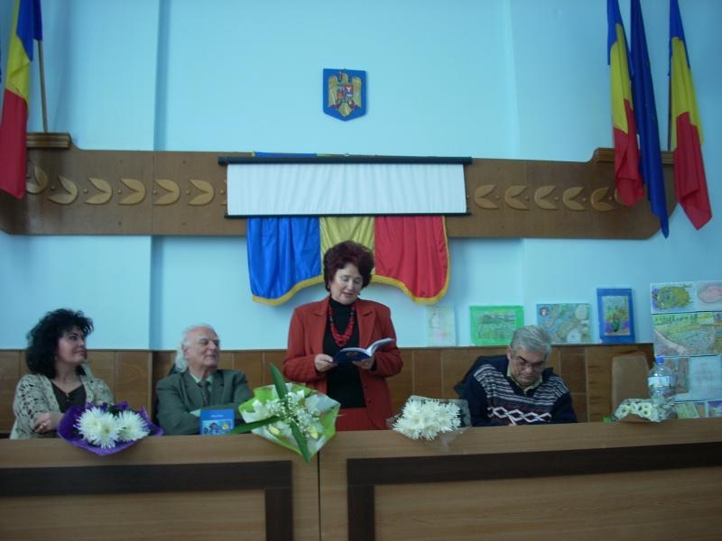 """Lansare de carte """"Anotimpul Visului""""-Olina Petrov-03 dec 2011 Lansar72"""