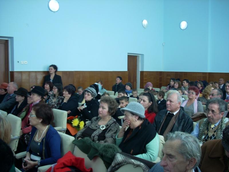 """Lansare de carte """"Anotimpul Visului""""-Olina Petrov-03 dec 2011 Lansar79"""