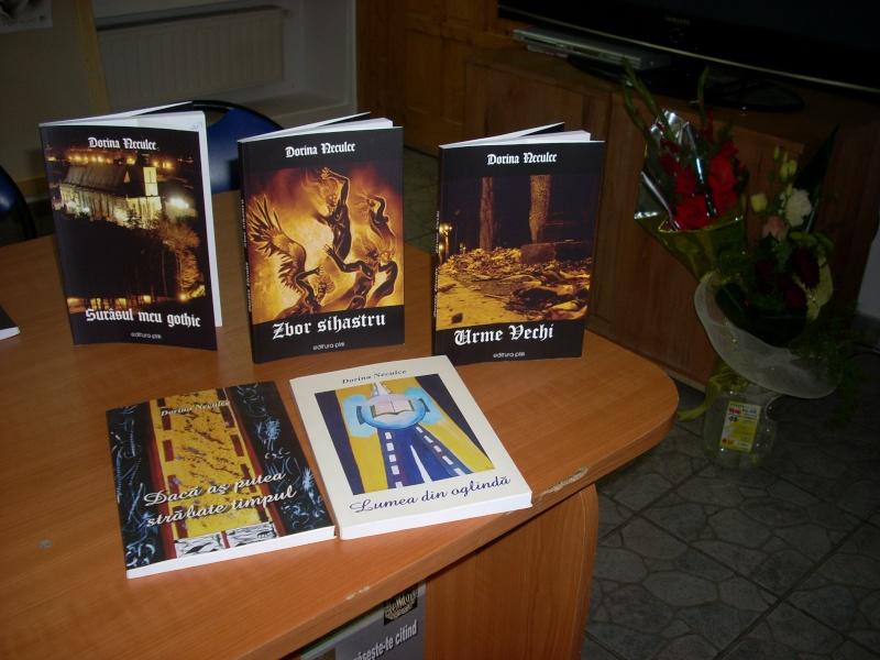 Lansare de cărţi - poezie gotică - Dorina NECULCE-11 mai 2012 Lansar88