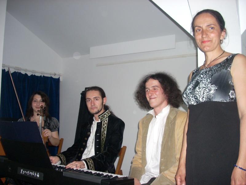 Lansare de cărţi - poezie gotică - Dorina NECULCE-11 mai 2012 Lansar97