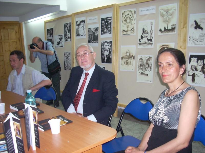 Lansare de cărţi - poezie gotică - Dorina NECULCE-11 mai 2012 Lansar99