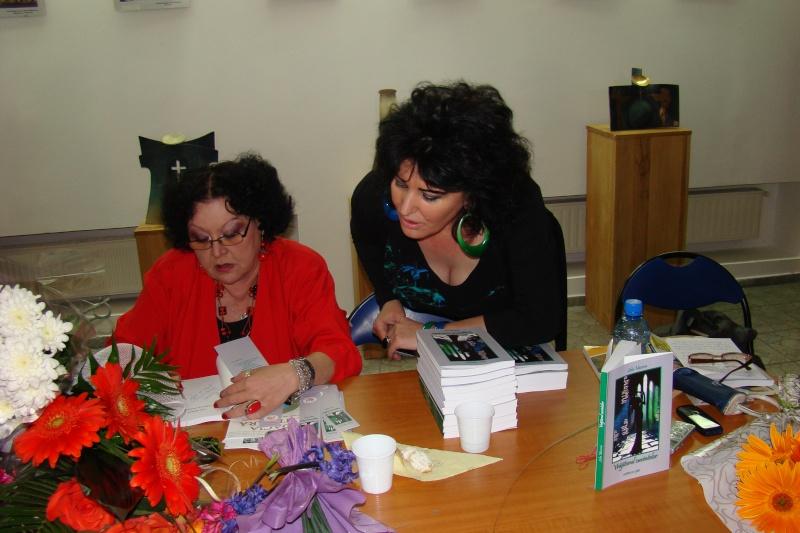 """Şedinţa a XX-a Cenaclului U.P.-Lansare de carte-Lelia Mossora -""""Vrăjitorul Cuvintelor- 21 aprilie 2012"""" Lelia_23"""