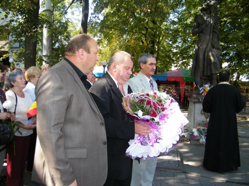 LIMBA NOASTRĂ CEA ROMÂNĂ Chişinău-31 august 2011 si Cernăuţi 10 sept 2011 Limba_10
