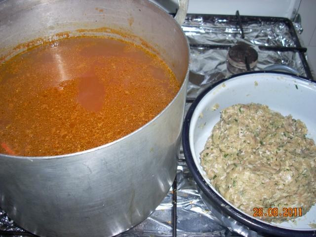 Ciorbe,supe, borsuri de legume si cu carne Mancar11