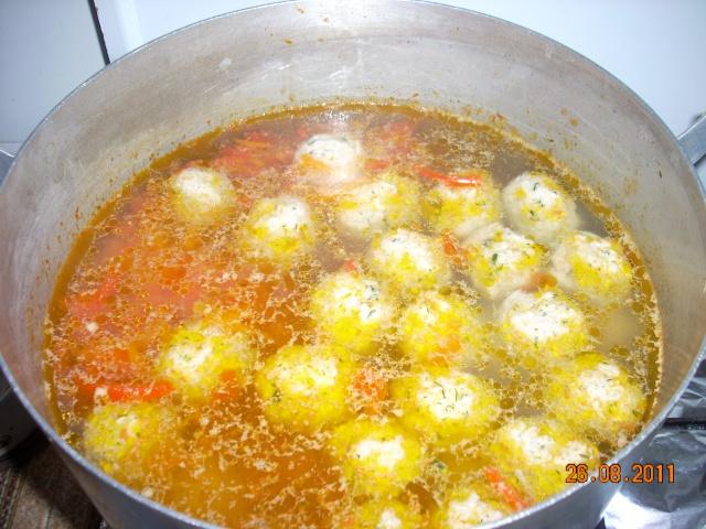 Ciorbe,supe, borsuri de legume si cu carne Mancar12
