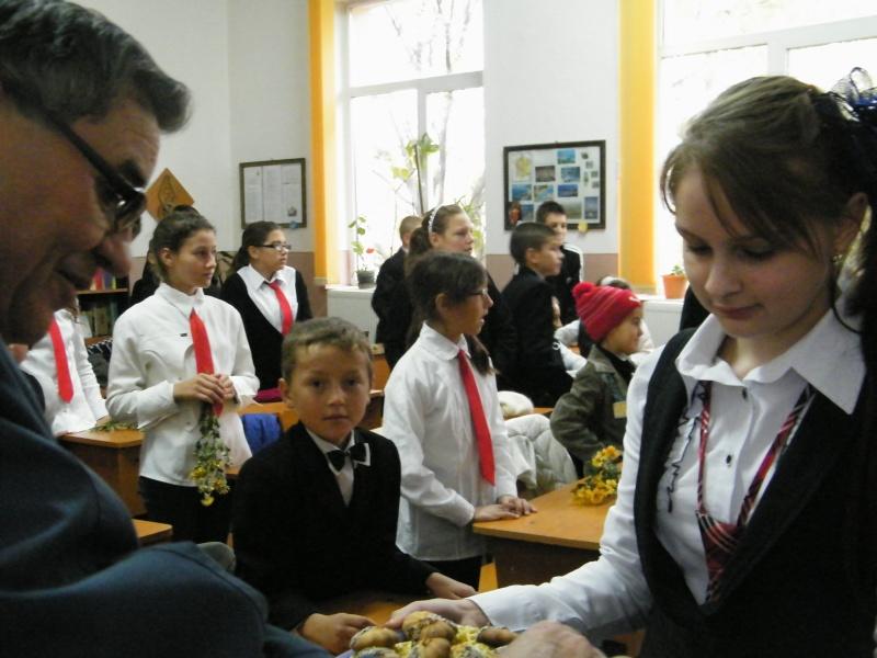 """ZIUA ŞCOLII """"DUMITRU POPA"""" Mogoşeşti-Iaşi-22 octombrie 2011 Mogose24"""