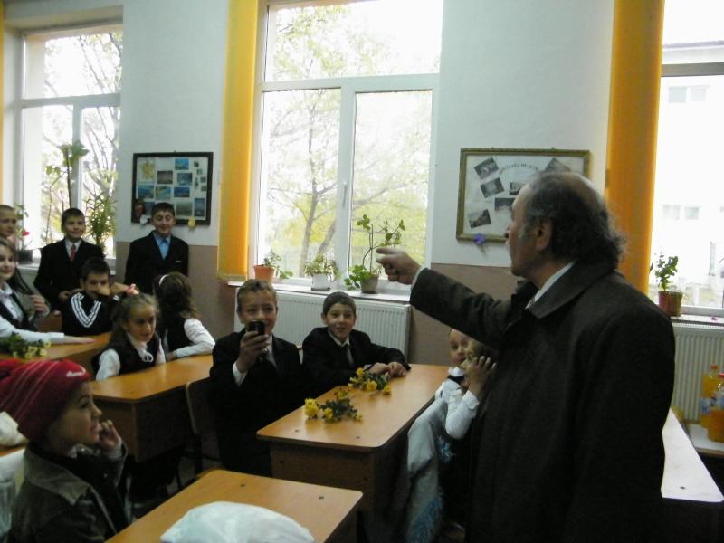 """ZIUA ŞCOLII """"DUMITRU POPA"""" Mogoşeşti-Iaşi-22 octombrie 2011 Mogose26"""