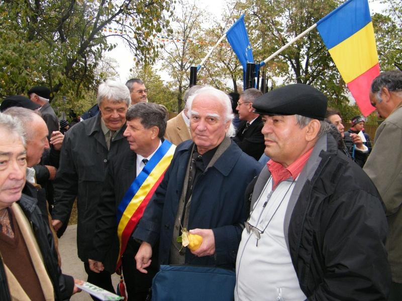 """ZIUA ŞCOLII """"DUMITRU POPA"""" Mogoşeşti-Iaşi-22 octombrie 2011 Mogose29"""