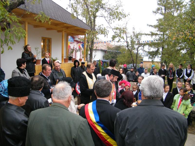 """ZIUA ŞCOLII """"DUMITRU POPA"""" Mogoşeşti-Iaşi-22 octombrie 2011 Mogose31"""