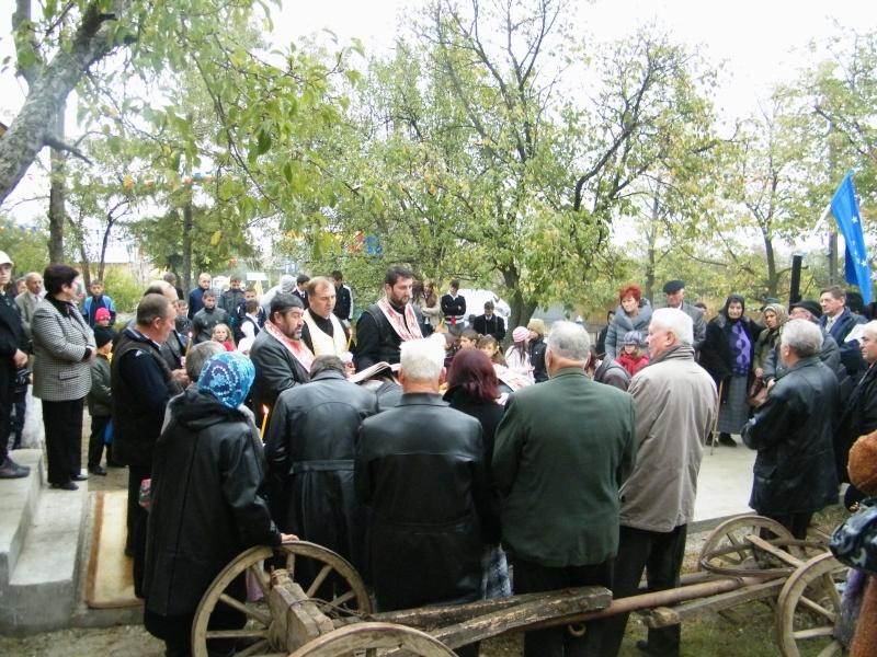 """ZIUA ŞCOLII """"DUMITRU POPA"""" Mogoşeşti-Iaşi-22 octombrie 2011 Mogose34"""