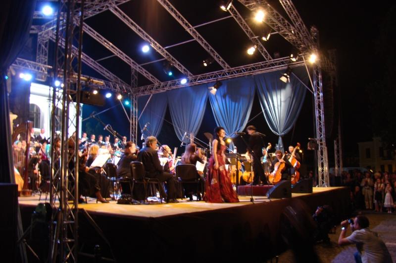 """""""Magia serii în sunet şi lumină"""" cu Opera Română Iaşi-17 sept 2011 Opera_14"""