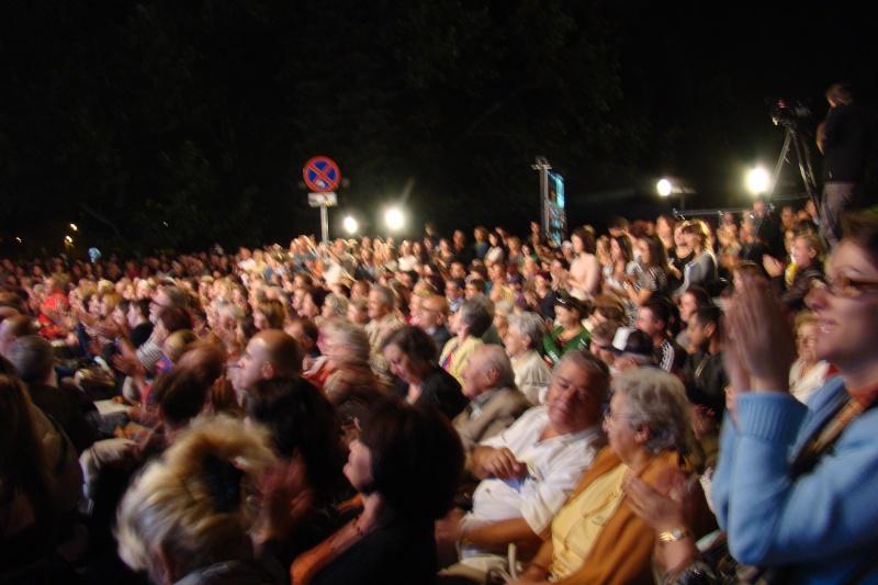 """""""Magia serii în sunet şi lumină"""" cu Opera Română Iaşi-17 sept 2011 Opera_16"""