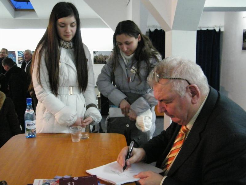 Prelecţiunile Junimii şedinţa a XII-a-academician Mihai CIMPOI Pod_po22