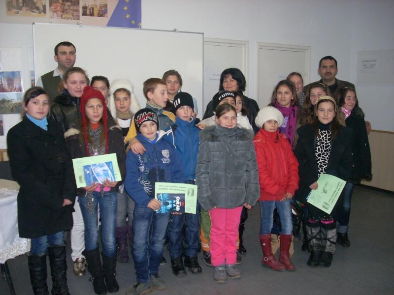 """Manifestări dedicate omagierii poetului Mihai Eminescu la şcoala """"Ioanid Romanescu"""" din Româneşti Romane23"""