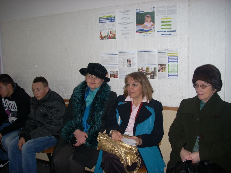 """Manifestări dedicate omagierii poetului Mihai Eminescu la şcoala """"Ioanid Romanescu"""" din Româneşti Romane36"""
