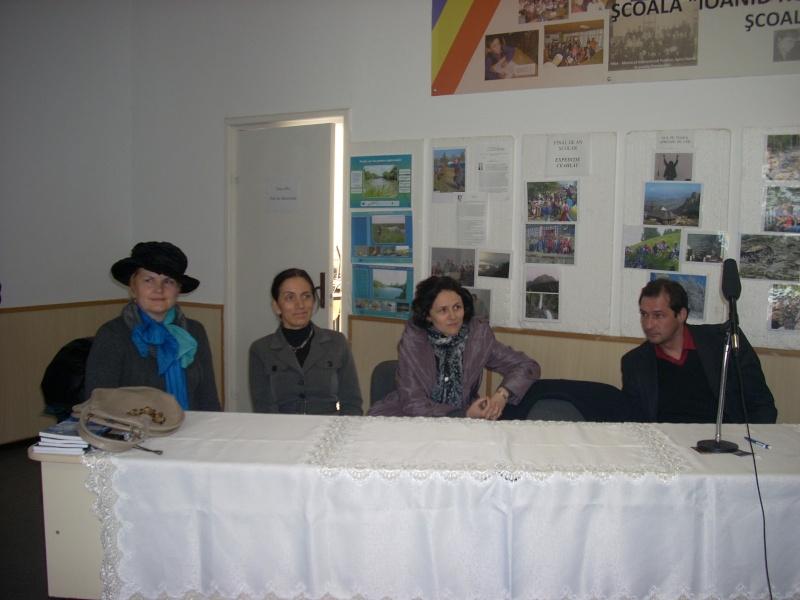 """Manifestări dedicate omagierii poetului Mihai Eminescu la şcoala """"Ioanid Romanescu"""" din Româneşti Romane37"""