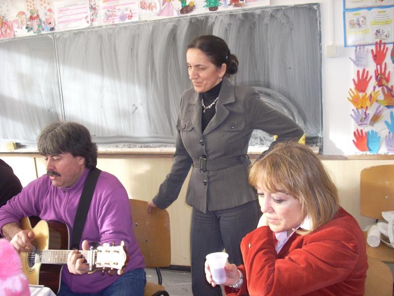"""Manifestări dedicate omagierii poetului Mihai Eminescu la şcoala """"Ioanid Romanescu"""" din Româneşti Romane53"""