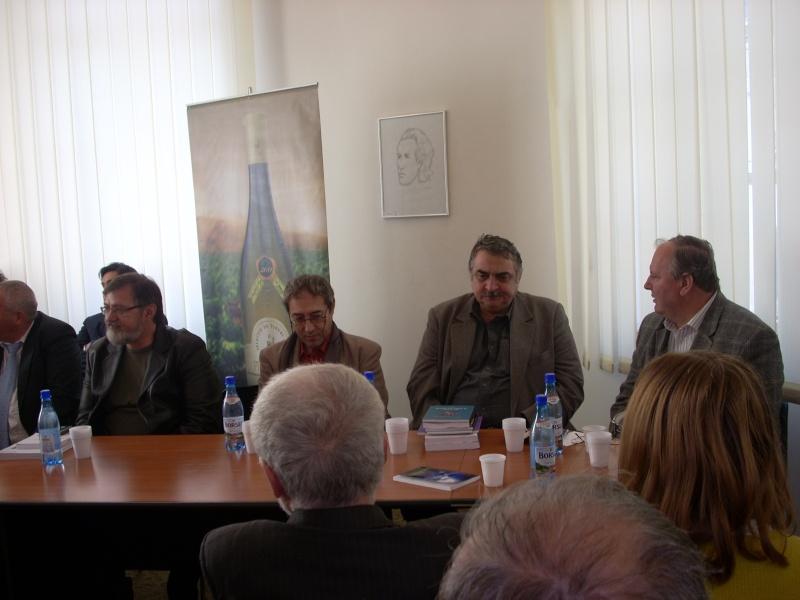 Premiile Filialei ieșene a Uniunii Scriitorilor din România -20 oct 2011 Us-ias12