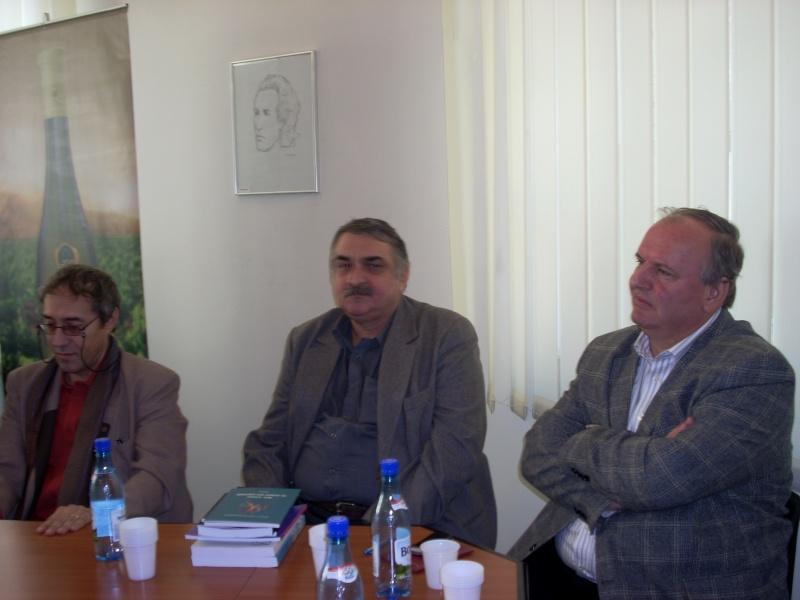 Premiile Filialei ieșene a Uniunii Scriitorilor din România -20 oct 2011 Us-ias16