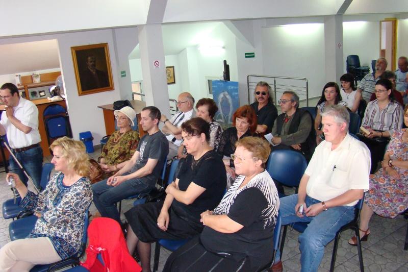"""07 iulie 2011-Sedinta a XV-a A Cenaclului U.P.-Lansare de carte-""""Răscrucea Destinului""""-Vasilica Ilie  Vasili11"""