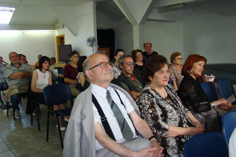 """07 iulie 2011-Sedinta a XV-a A Cenaclului U.P.-Lansare de carte-""""Răscrucea Destinului""""-Vasilica Ilie  Vasili19"""
