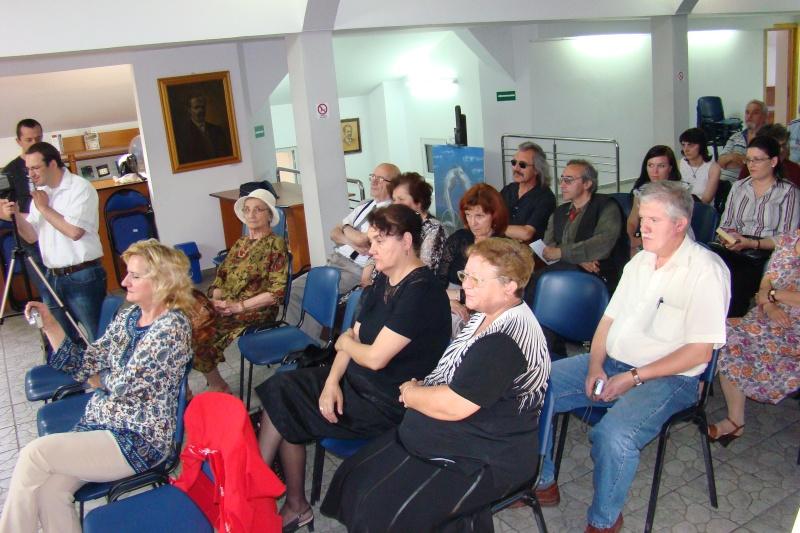 """07 iulie 2011-Sedinta a XV-a A Cenaclului U.P.-Lansare de carte-""""Răscrucea Destinului""""-Vasilica Ilie  Vasili20"""