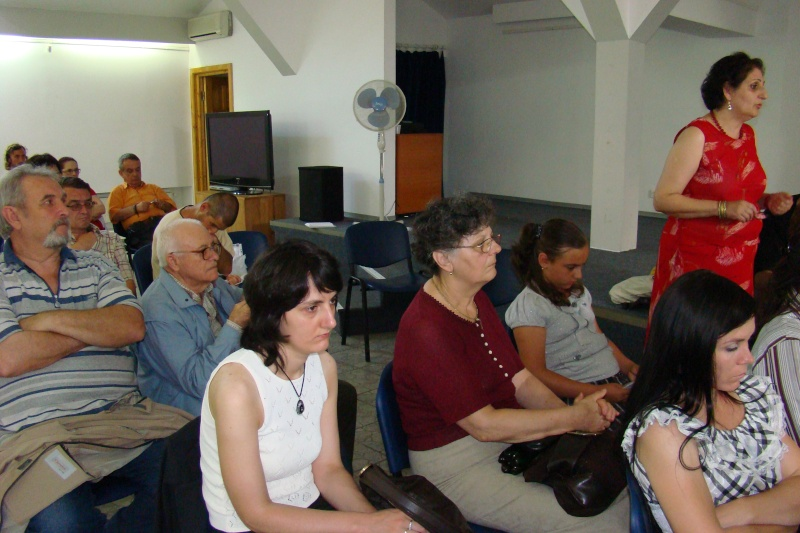 """07 iulie 2011-Sedinta a XV-a A Cenaclului U.P.-Lansare de carte-""""Răscrucea Destinului""""-Vasilica Ilie  Vasili23"""