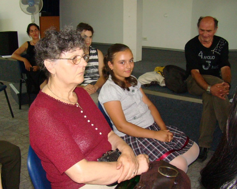 """07 iulie 2011-Sedinta a XV-a A Cenaclului U.P.-Lansare de carte-""""Răscrucea Destinului""""-Vasilica Ilie  Vasili27"""