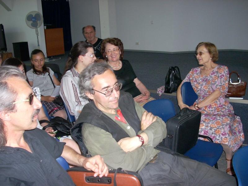 """07 iulie 2011-Sedinta a XV-a A Cenaclului U.P.-Lansare de carte-""""Răscrucea Destinului""""-Vasilica Ilie  Vasili30"""