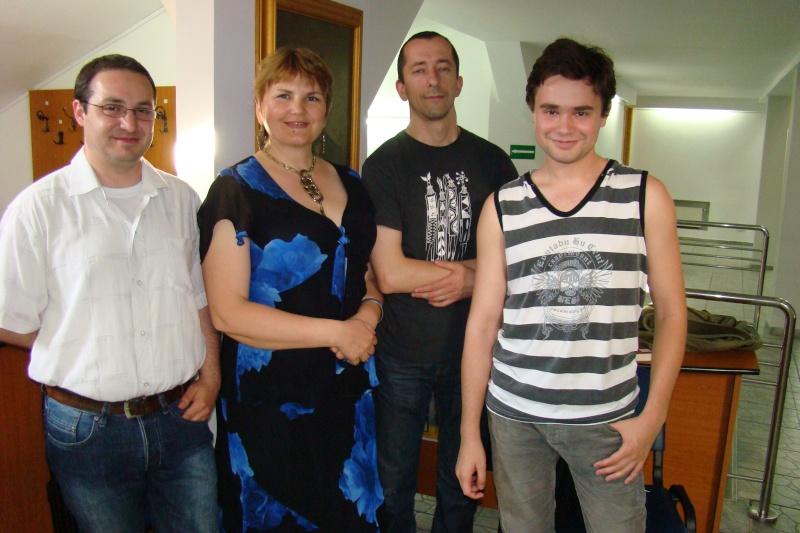 """07 iulie 2011-Sedinta a XV-a A Cenaclului U.P.-Lansare de carte-""""Răscrucea Destinului""""-Vasilica Ilie  Vasili43"""