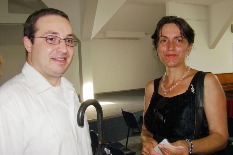 """07 iulie 2011-Sedinta a XV-a A Cenaclului U.P.-Lansare de carte-""""Răscrucea Destinului""""-Vasilica Ilie  Vasili45"""