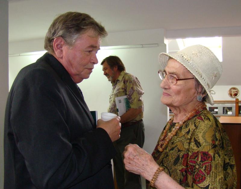 """07 iulie 2011-Sedinta a XV-a A Cenaclului U.P.-Lansare de carte-""""Răscrucea Destinului""""-Vasilica Ilie  Vasili47"""
