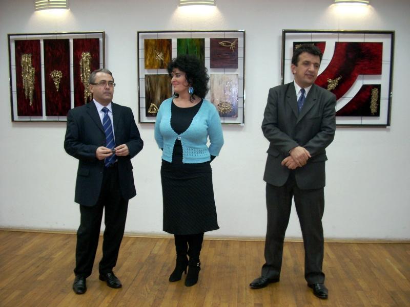 Vernisajul expoziţiei de pictură ART D`ECHO - autor-Liliana Nastas Brătescu-07 dec 2011 Verni181