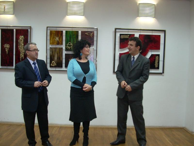 Vernisajul expoziţiei de pictură ART D`ECHO - autor-Liliana Nastas Brătescu-07 dec 2011 Verni182