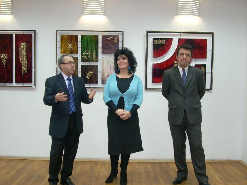 Vernisajul expoziţiei de pictură ART D`ECHO - autor-Liliana Nastas Brătescu-07 dec 2011 Verni183