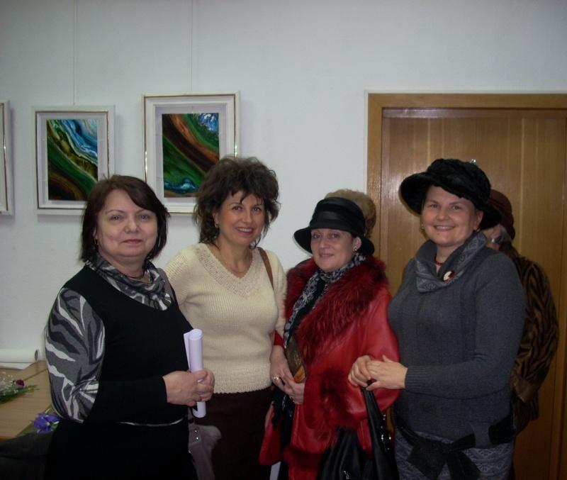 Vernisajul expoziţiei de pictură ART D`ECHO - autor-Liliana Nastas Brătescu-07 dec 2011 Verni211
